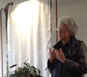 Leunig speaking at unveiling